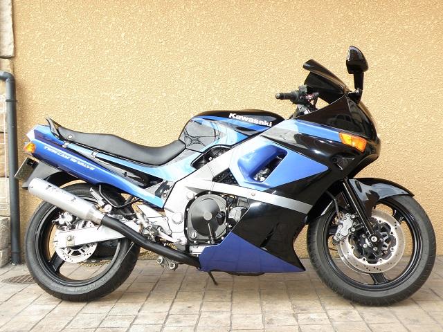 ZZR400604.jpg