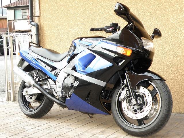 ZZR400605.jpg