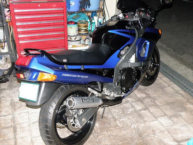 ZZR400609.jpg