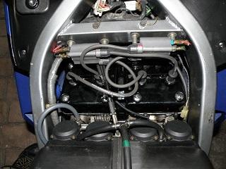 ZZR400650.jpg