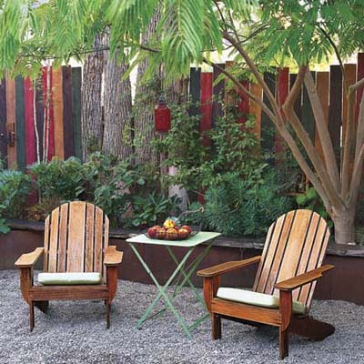 Backyard landscape designs creating a natural privacy for Small backyard privacy ideas