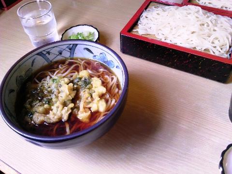 三笠、更科食堂の、天ぷらそばと、もりそば。