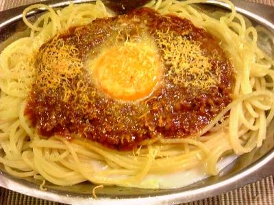 スパゲッティ・ミート・ソース・タマゴのせ・チーズかけ・焼き上がり