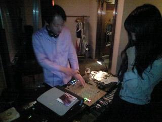 DJナイト