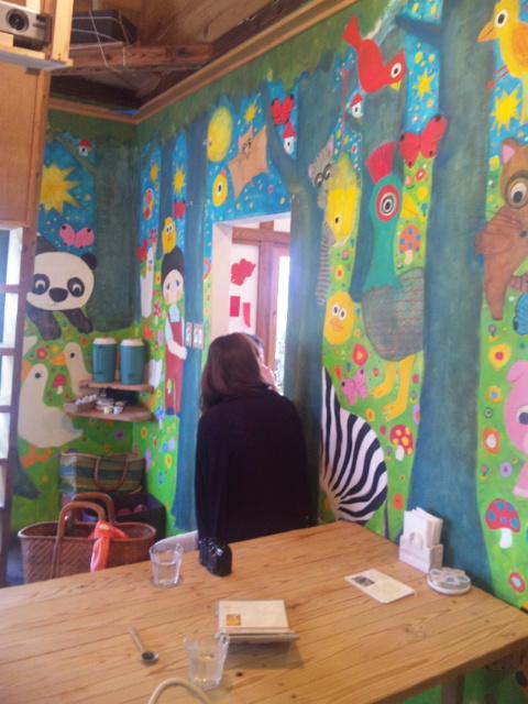 店内の壁画 2