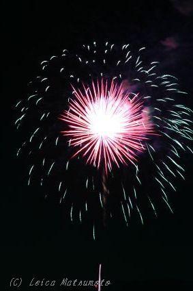 Aiマイクロニッコール 105mm F2.8S で花火を撮影