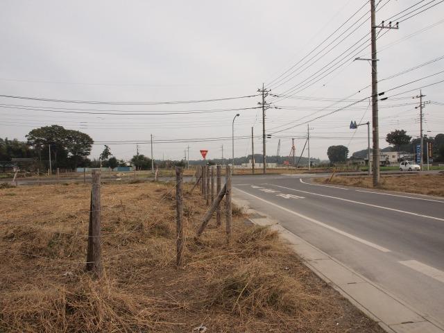 菅谷の定点撮影地点。中里坂東線との交差付近。