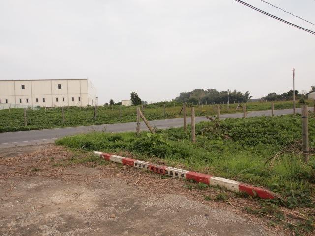 大生郷工業団地付近。塔婆が抜かれてました。