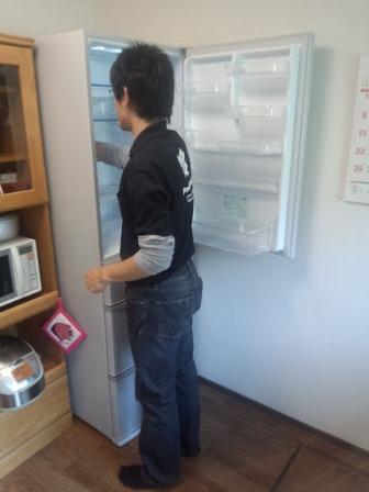 ①冷蔵庫納品
