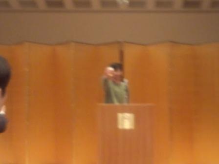④平成24年度の新会長に就任された細木原寛氏が乾杯の音頭をとられました。