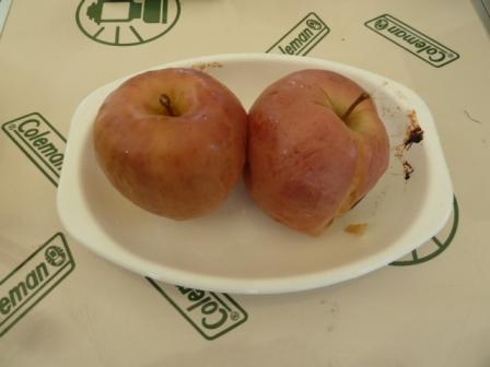 25ホックホクの焼きリンゴ出来上がりお好みで砂糖をまぶして召し上がれ