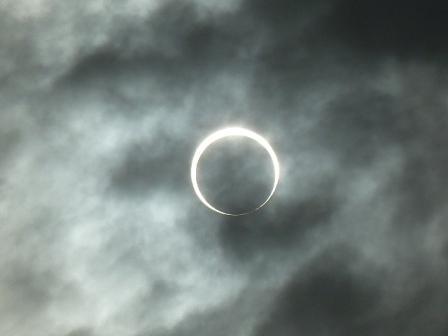 ③金冠日食