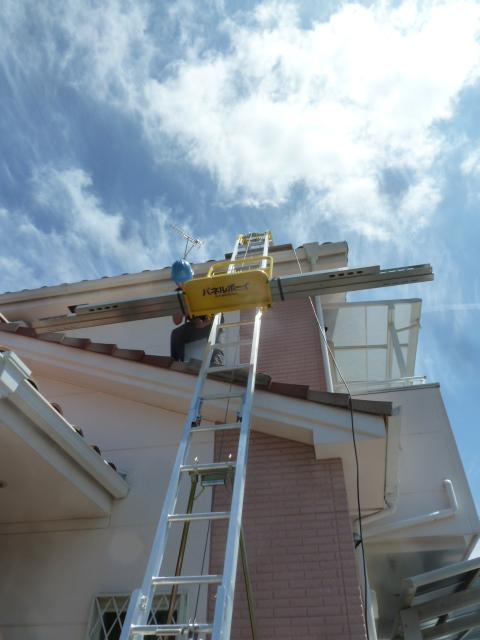 12フレームをパネルボーイで屋根まで上げます