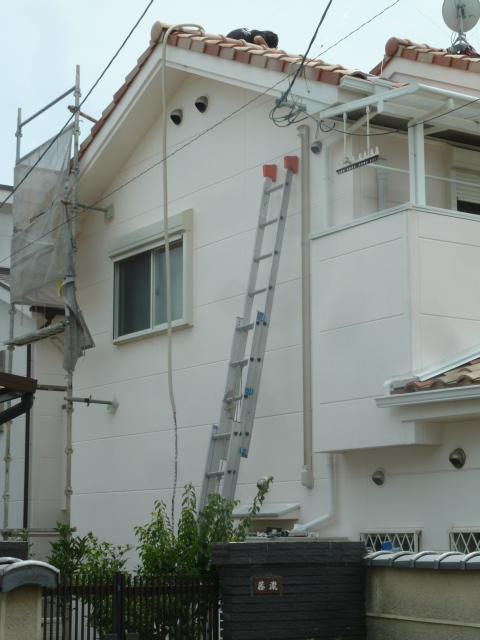 02配線の入線が完了したら屋根から降ろします