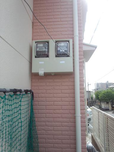 25違和感なく売電&買電メーターが一つのケースに収まりました
