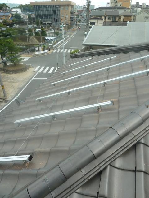 15縦ラック完成電線固定用ステンレス線を3本仕込んでおきます