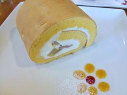 米粉のロールケーキ、ハーフサイズです