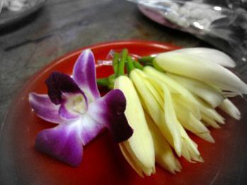 台湾旅行 行天宮お供えのお花