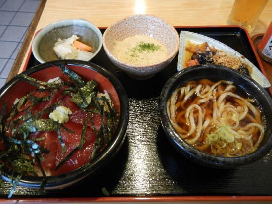 満月マグロ丼セット (2)