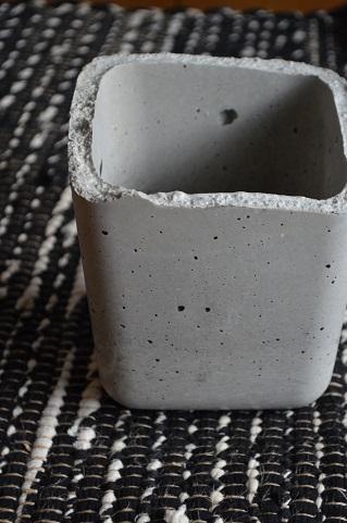 クリスタルプランツコンクリート鉢