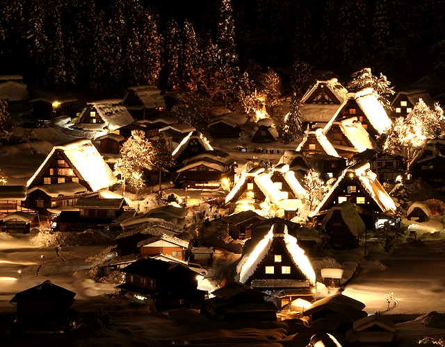 冬の白川郷ライトアップ