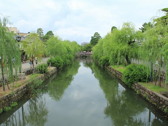 倉敷美観地区 倉敷川と柳の並木