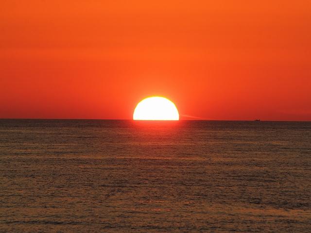 白山市徳光の夏の夕日