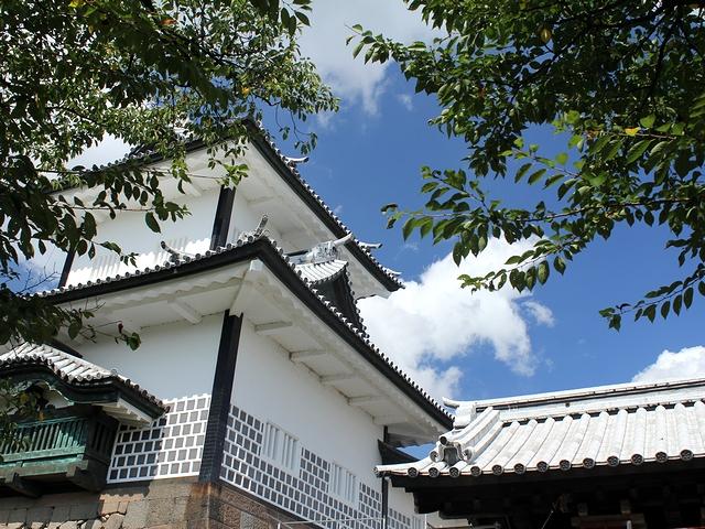 初秋の金沢城石川門