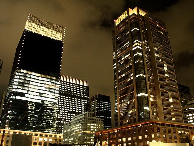 夜の東京駅丸の内口