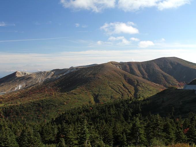 国道292号から見た草津白根山