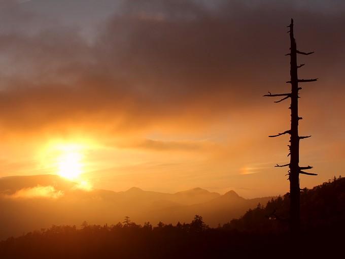 草津白根山からの夕日