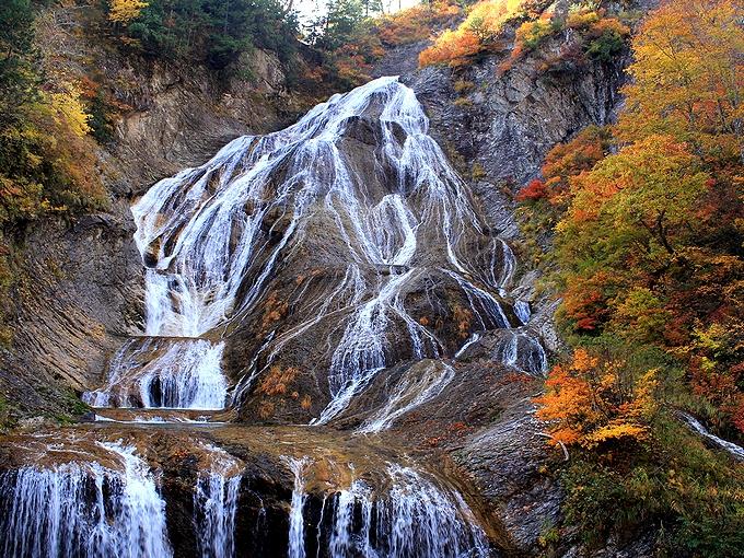 秋の白山スーパー林道 姥が滝