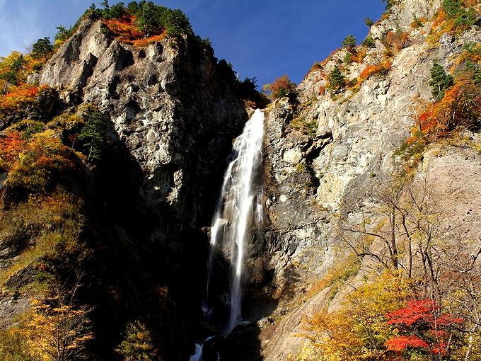 秋の白山スーパー林道 ふくべの大滝