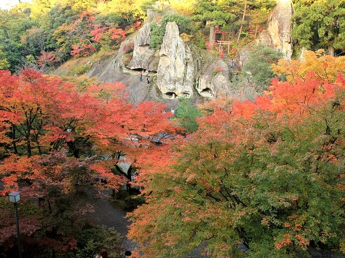 那谷寺の紅葉 奇岩遊仙境の絶景