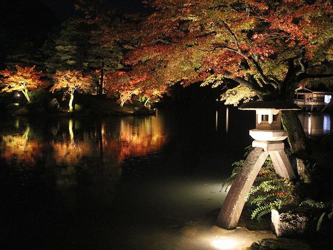 兼六園紅葉ライトアップ 「秋の段」