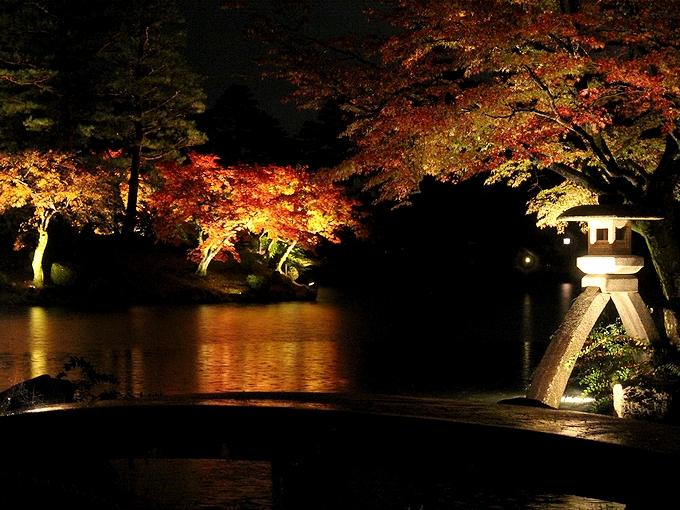 兼六園紅葉ライトアップ 秋の段
