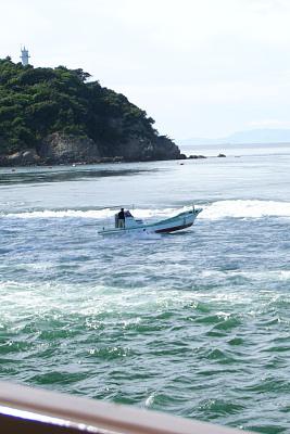 0821-3鳴門観潮船
