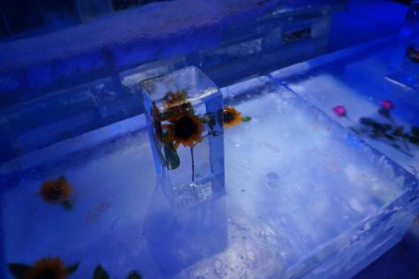 氷のテーブルひまわり