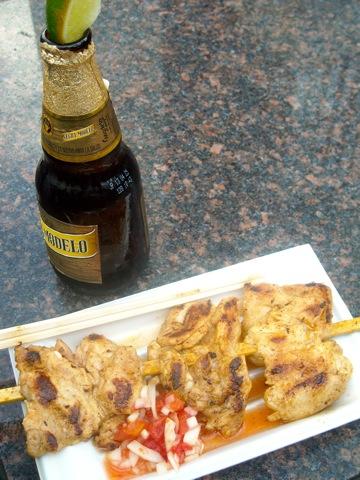 串焼きとビール