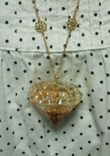 パールがぎゅっと詰まった宝石型ネックレス