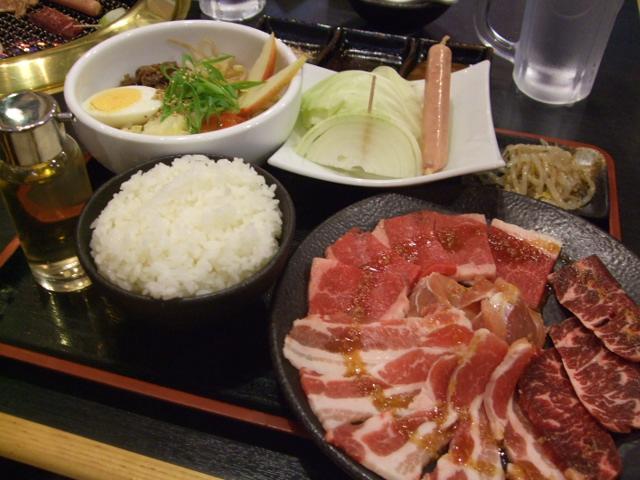 贅沢焼肉&(温・冷)麺ハーフ