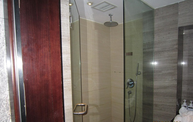 ラウンジ内シャワー