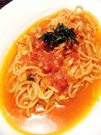 『石窯イタリアンgatto(ガット)』のカレイとフレッシュバジルのトマトソース