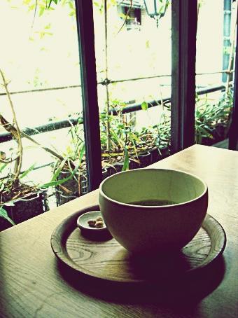 『ひねもすのたり』の抹茶ミルク