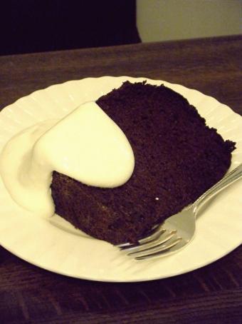 『ティーアンドケーキ グレース』のチョコレートシフォンケーキ