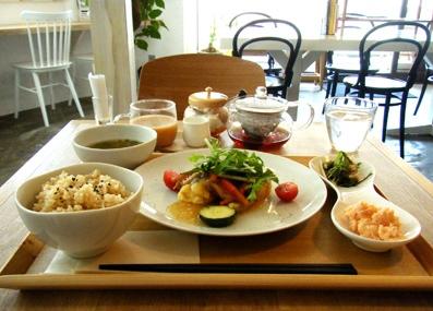 『light side cafe(ライト サイド カフェ)』のたらとお豆腐の野菜あんかけ