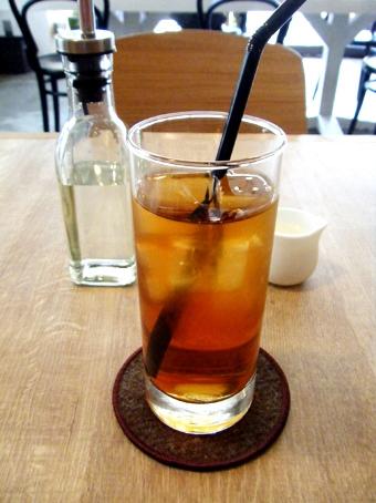 『light side cafe(ライト サイド カフェ)』のサーモンのソテー
