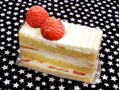 『パティスリー ラブリコチエ』の苺のショートケーキ