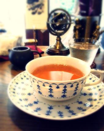 『喫茶去 一芯二葉(きっさこ いっしんによう)』の文山東方美人