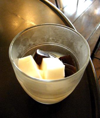 『カフェ&ギャラリー パラーダ』のチキンカレー